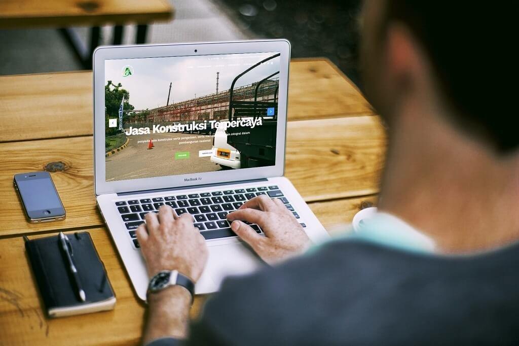 Jasa Pembuatan Website Company Profile Contractor